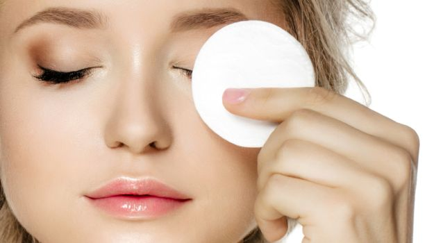 3 Home Remedies To Remove Dark Circles